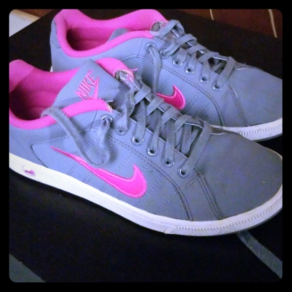 Teseo fresa inundar  Nike Shoes | Nike Womens Court Tradition Ii | Poshmark